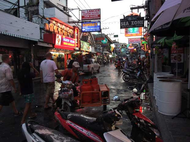 Walkingstreet, Pattaya, Afternoon before Songkran